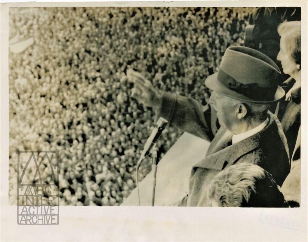 1 Generalissimo Franco addresses the silent majority, 1970. USphoto