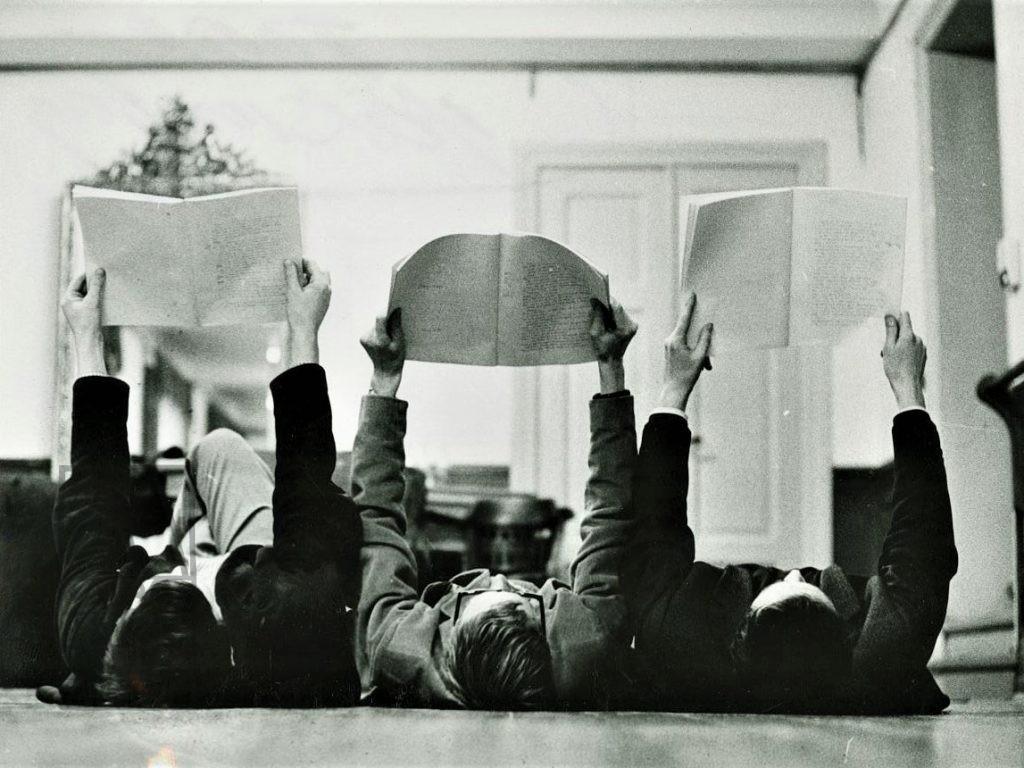 3 Bo Swedberg directing Arne Eriksson and Rune Ottosson, the theatre tradition. 1964. icephoto