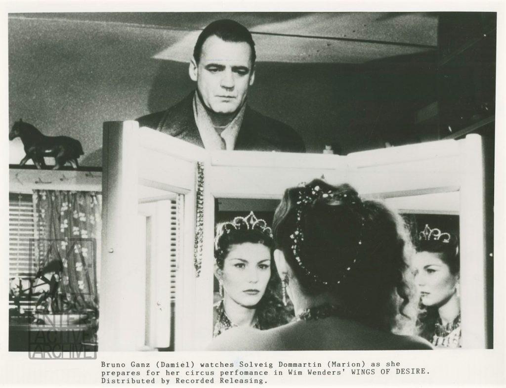 1 Wim Wenders, Der Himmel über Berlin - Wings of Desire, 1987. USstill